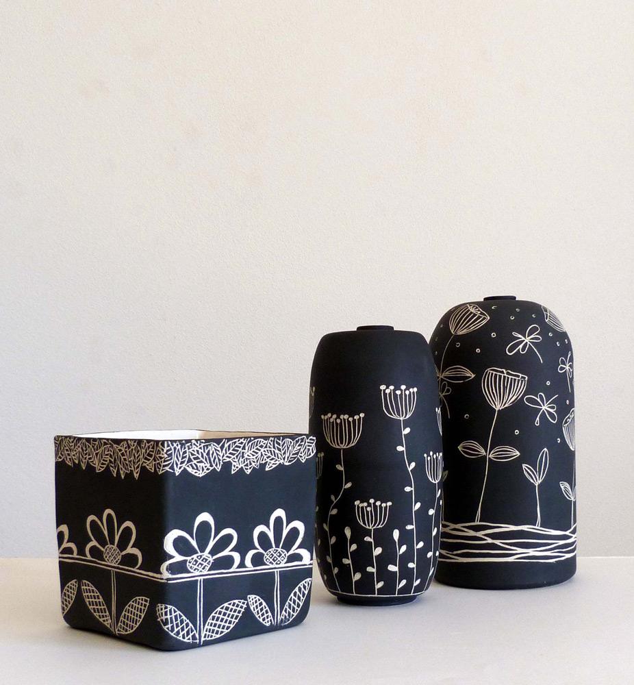 gruppo-vasi-ceramica-bianco-e-nero-disegno-stilizzato-minimal-design7