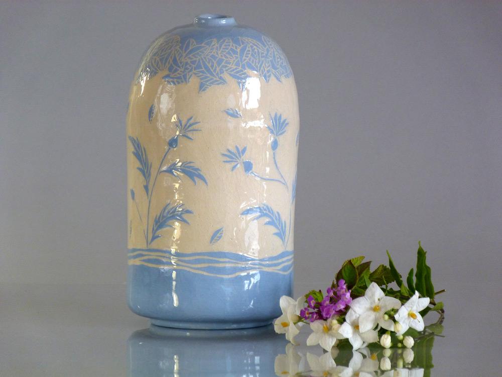 vaso in ceramica artigianale bianco e azzurro