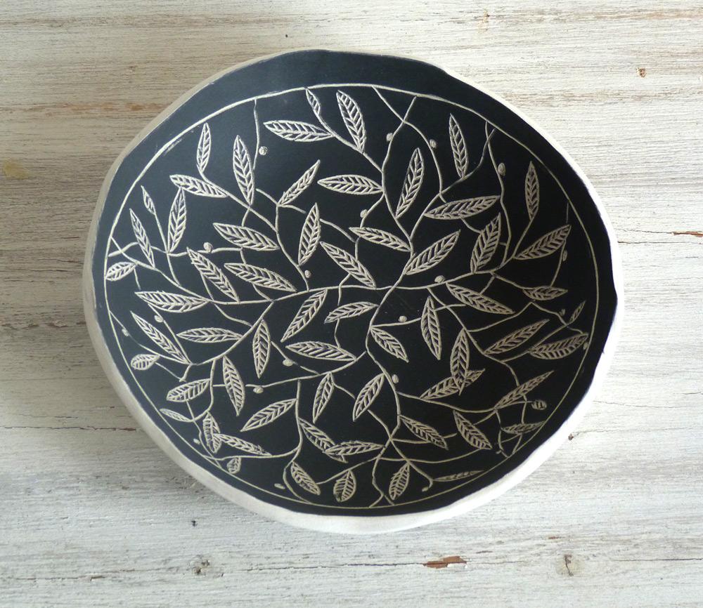 ciotola ceramica artigianale da 18 cm fantasie in bianco e nero