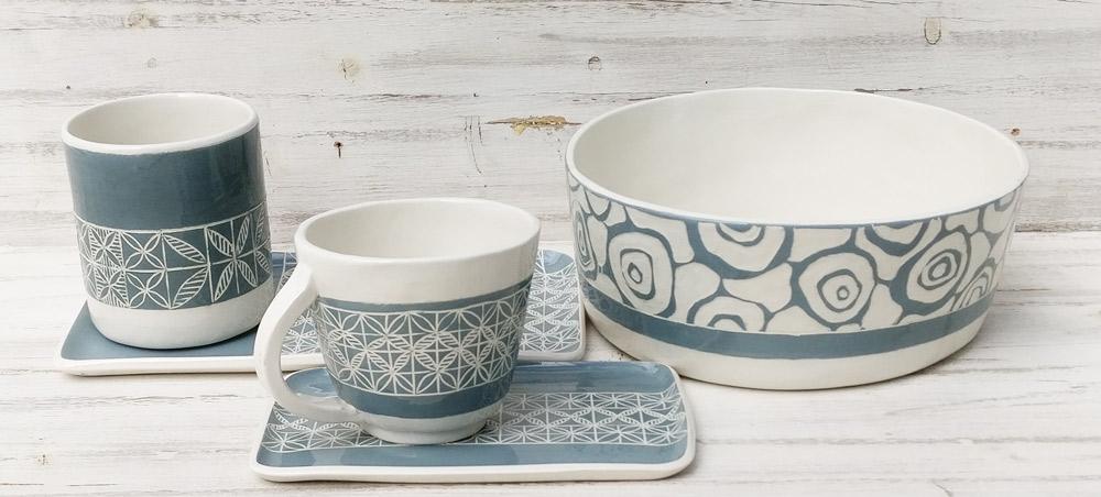 ceramica-artigianale-colori-estivi-azzurri