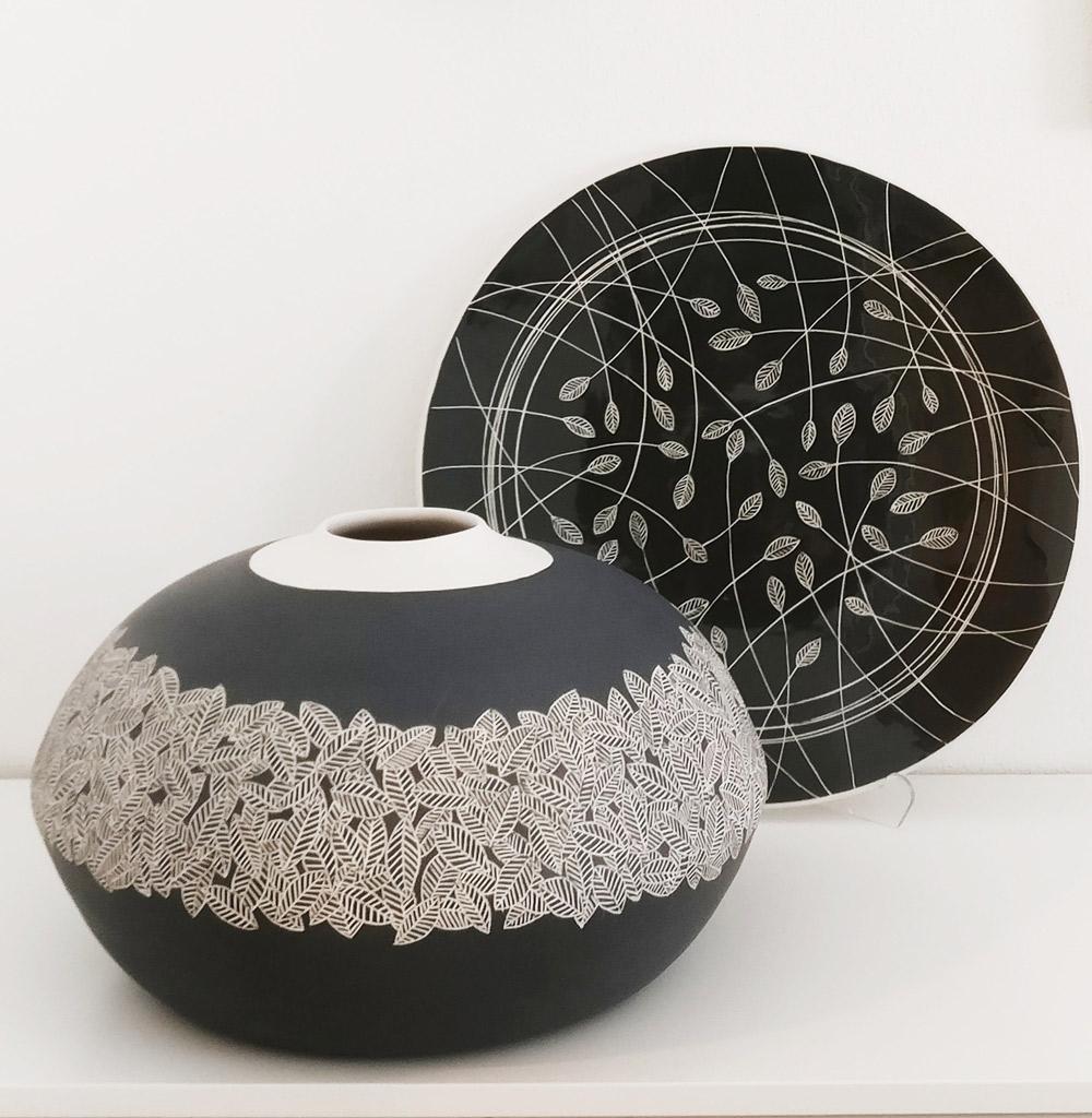 vaso-e-centrotavola-in-ceramica-artigianale-bianco-e-nero