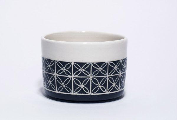 piccolo vasetto in bianco e nero